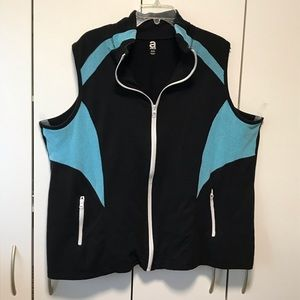 Avenue turquoise and black zip vest, Size 26/28